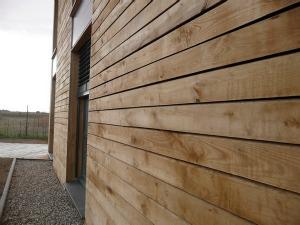 Bardage biosfaire mat riaux sains for Prix bardage bois interieur