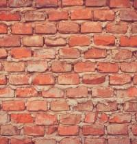 Construction de mur en brique