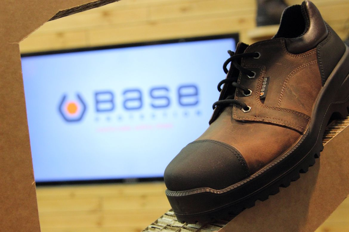 Chaussures BASE